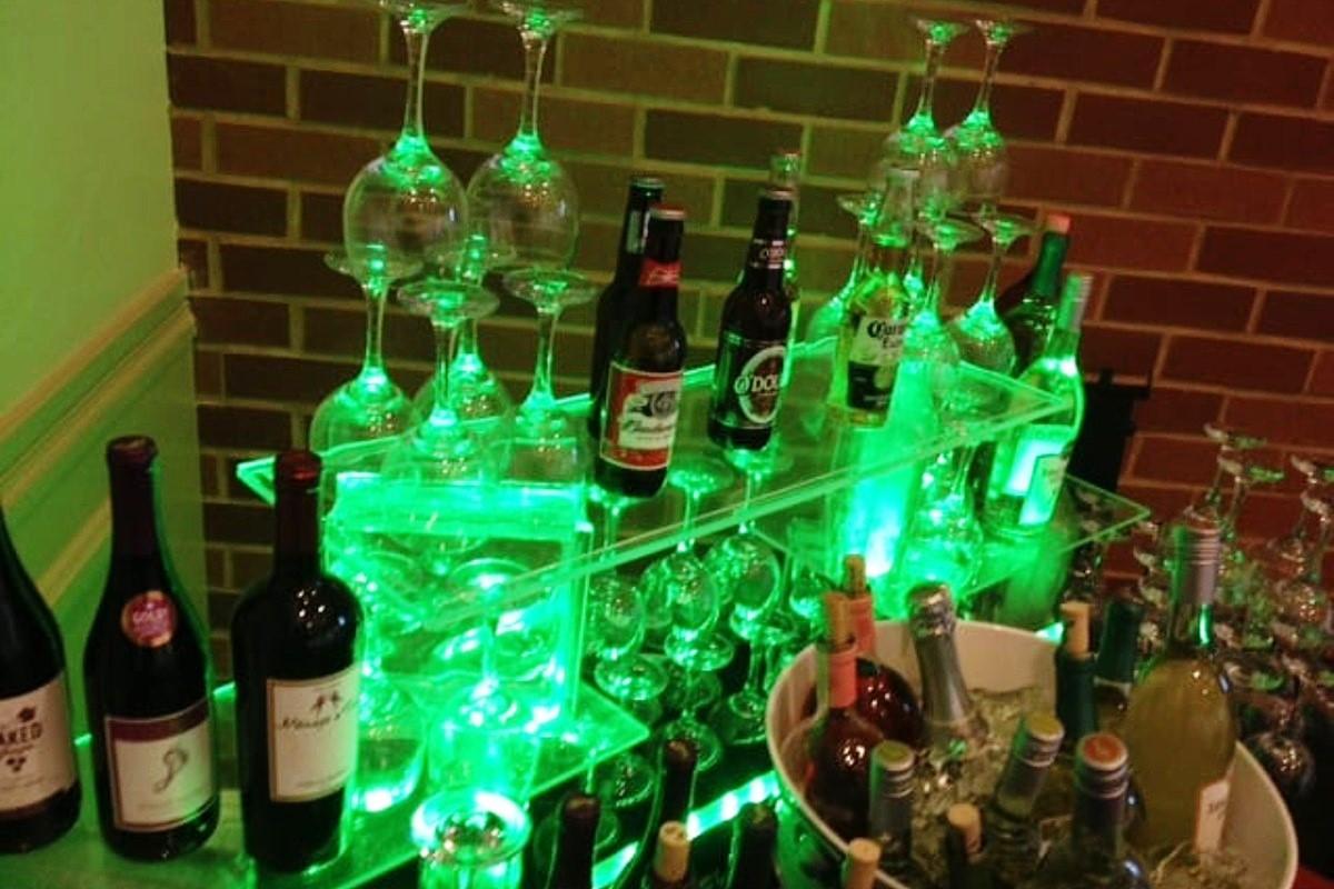 All Beverage Catering - Lake Tahoe weddings - green bar