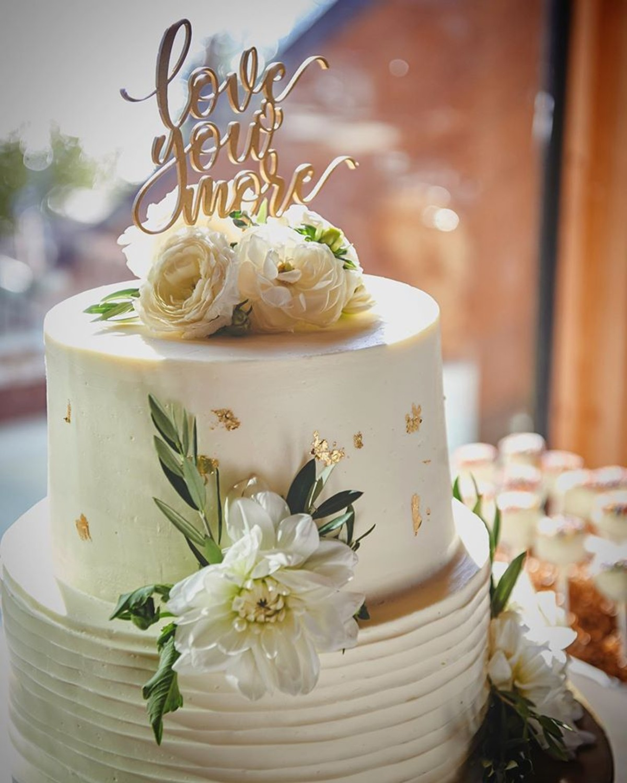 Beau & Arrow Event Co. - Lake Tahoe Wedding Planner - cake