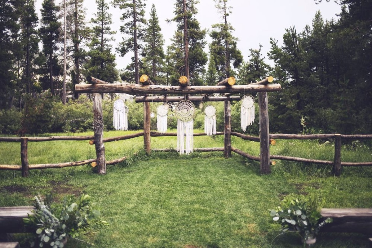 Beau & Arrow Event Co. - Lake Tahoe Wedding Planner - ceremony structure