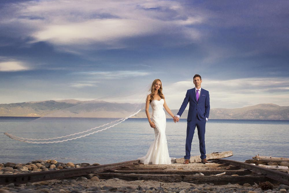 Lake Tahoe wedding couple by the water