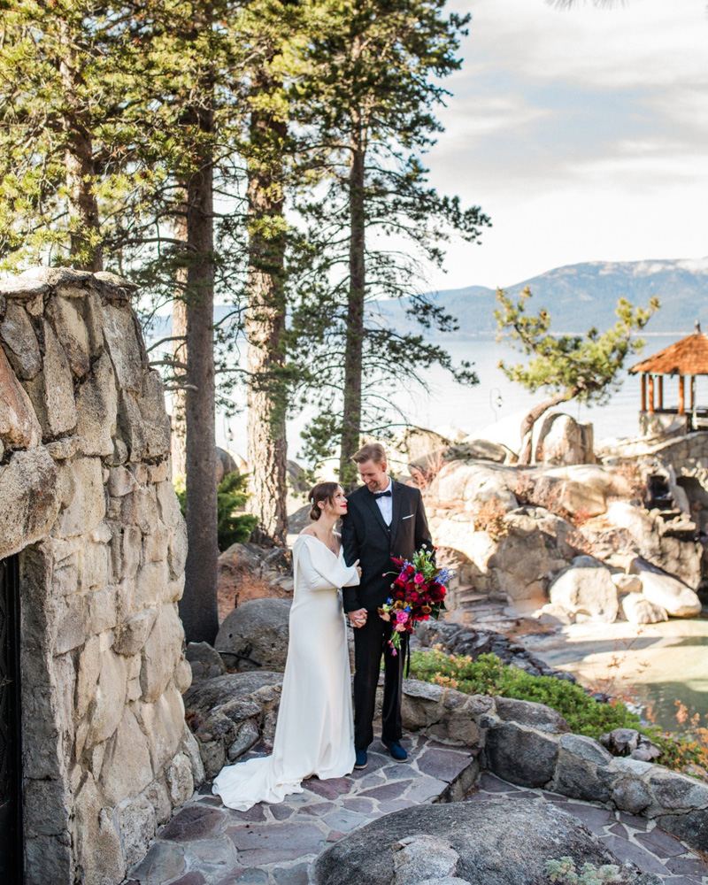 Thunderbird Lake Tahoe wedding styled shoot - groom holding bouquet