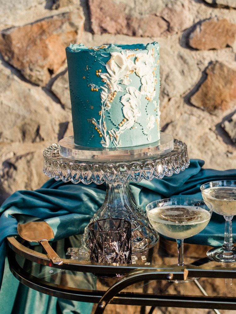 Thunderbird Lake Tahoe wedding styled shoot - wedding cake
