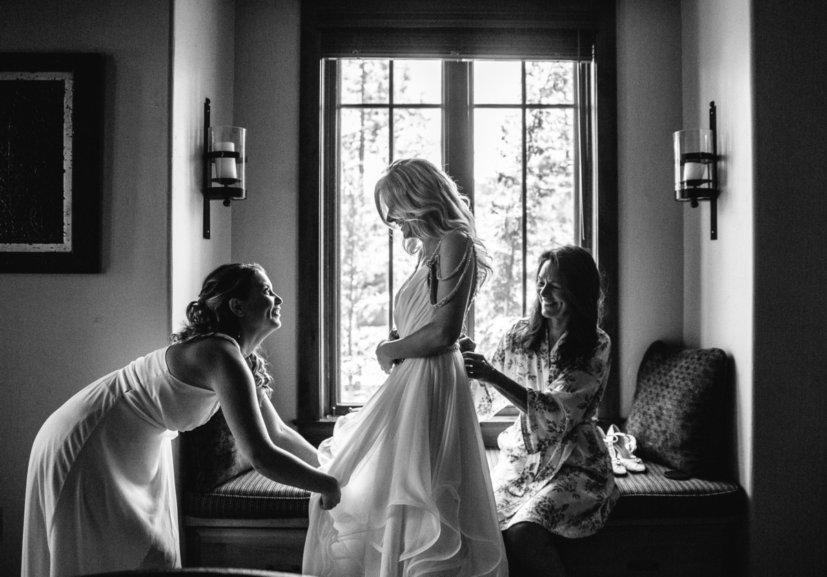 Lake Tahoe wedding Bride getting ready