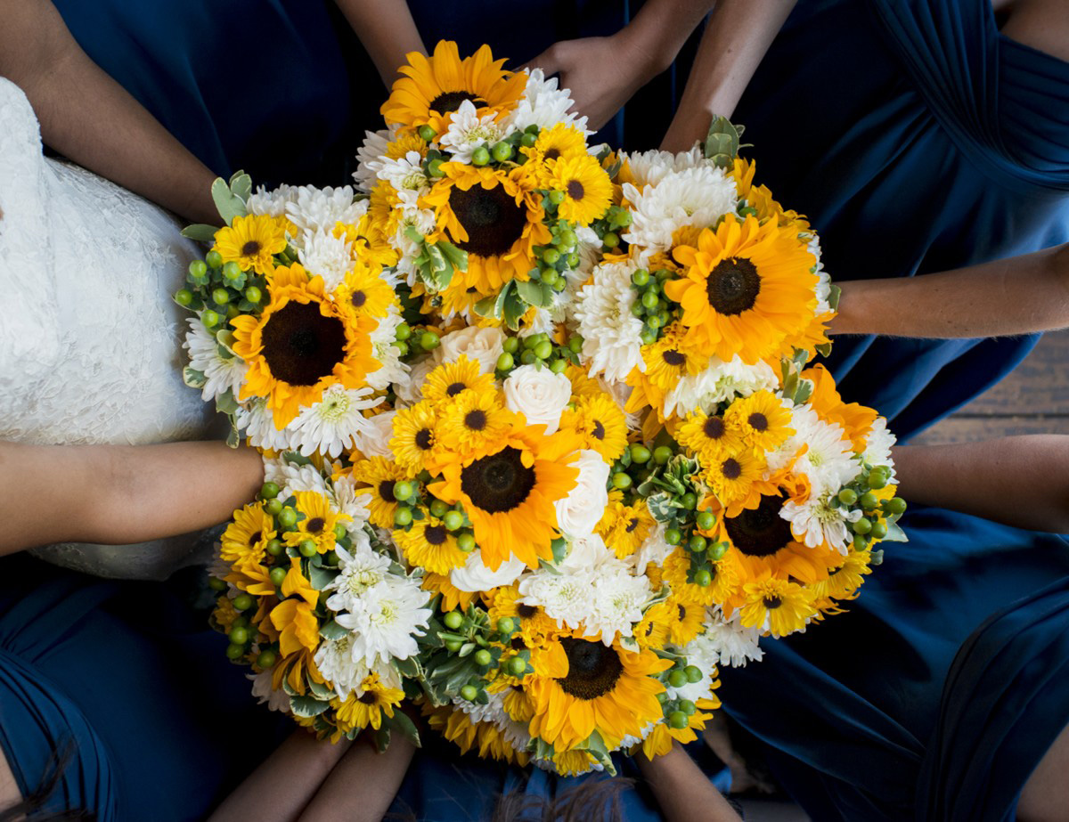 Lake Tahoe wedding at Gar Woods Bouquets