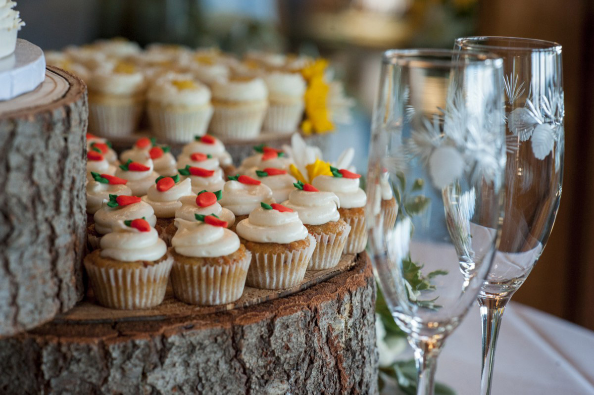Lake Tahoe wedding at Gar Woods Closeup of Wedding Cupcakes