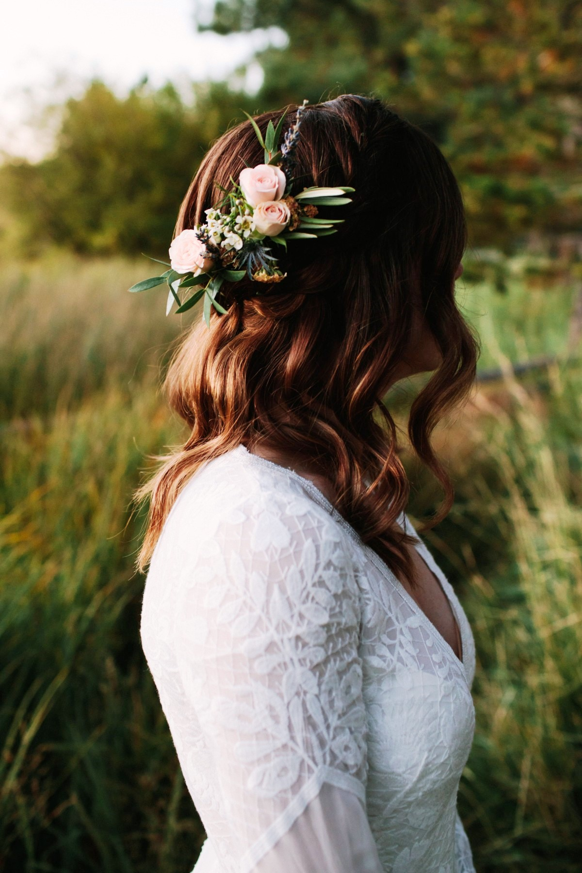 Lake Tahoe wedding florist Create With T - flowers in bride's hair