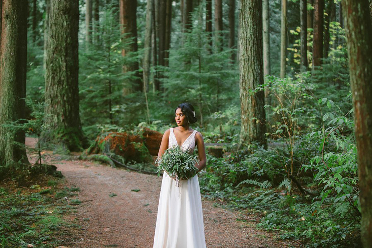 Green wedding forest ferns around bride