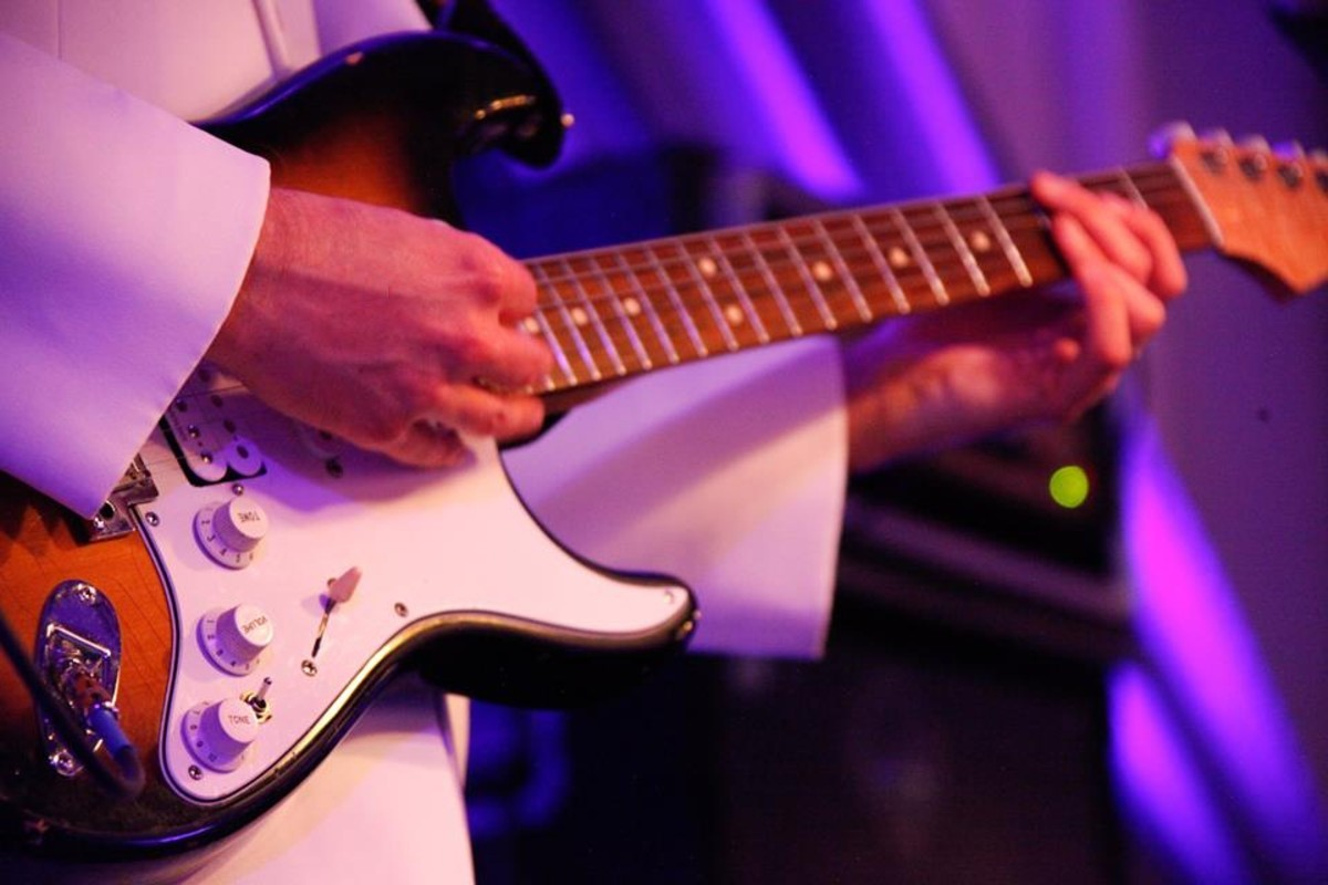 Lake Tahoe wedding - Leep Entertainment guitarist