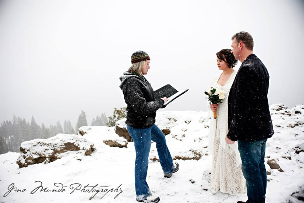 Mountain High Weddings Lake Tahoe ceremony in snow