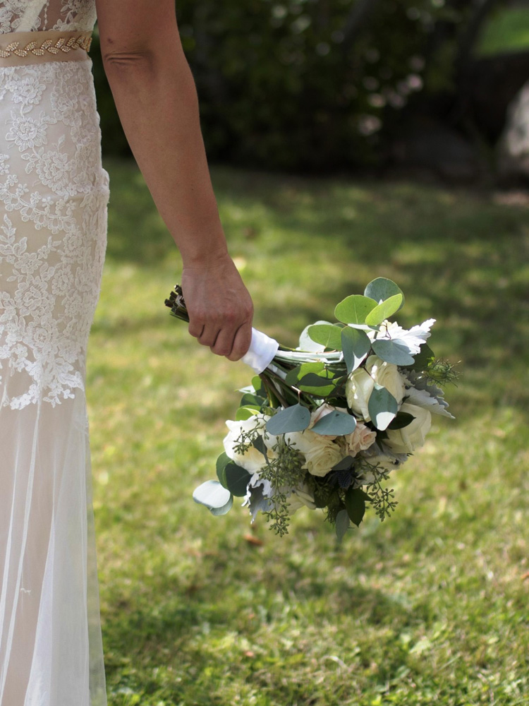 Truckee River Lake Tahoe wedding bride bouquet