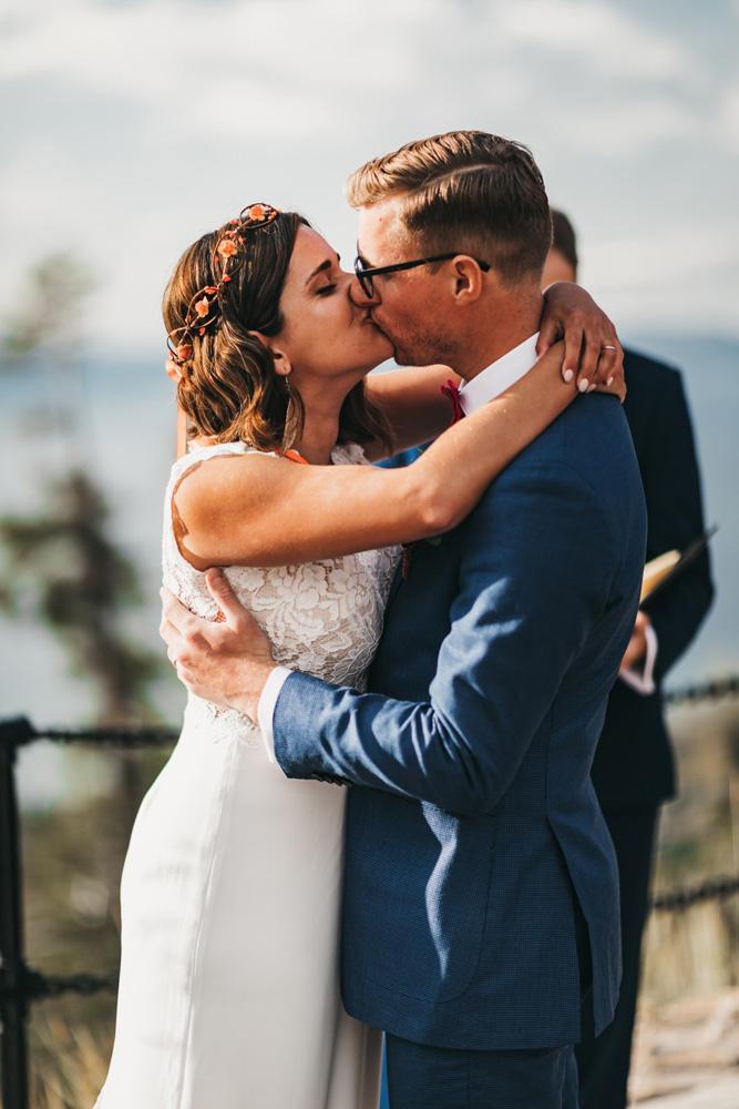 Lake Tahoe Heavenly wedding - the kiss