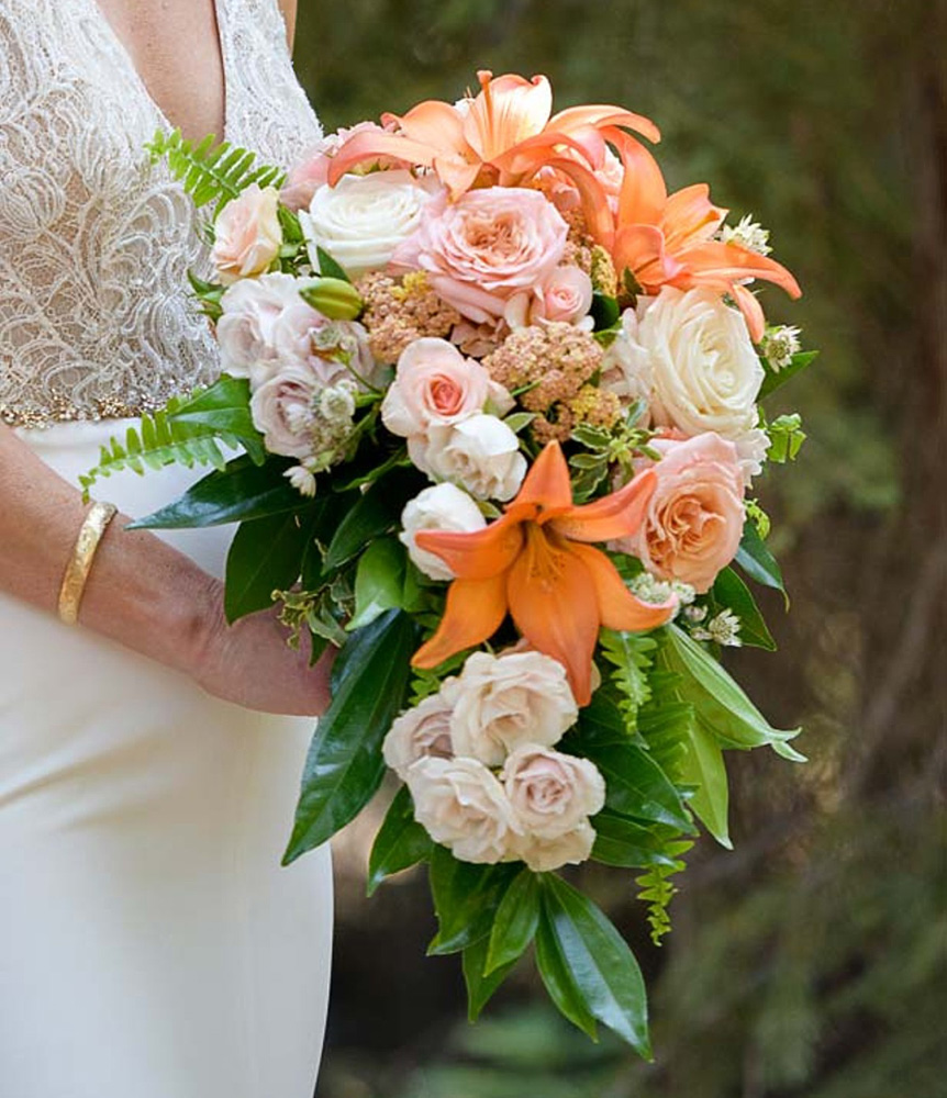 Lake Tahoe wedding on Truckee River - bride's bouquet