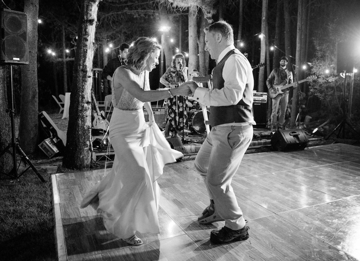 Lake Tahoe wedding on Truckee River - couple first dance