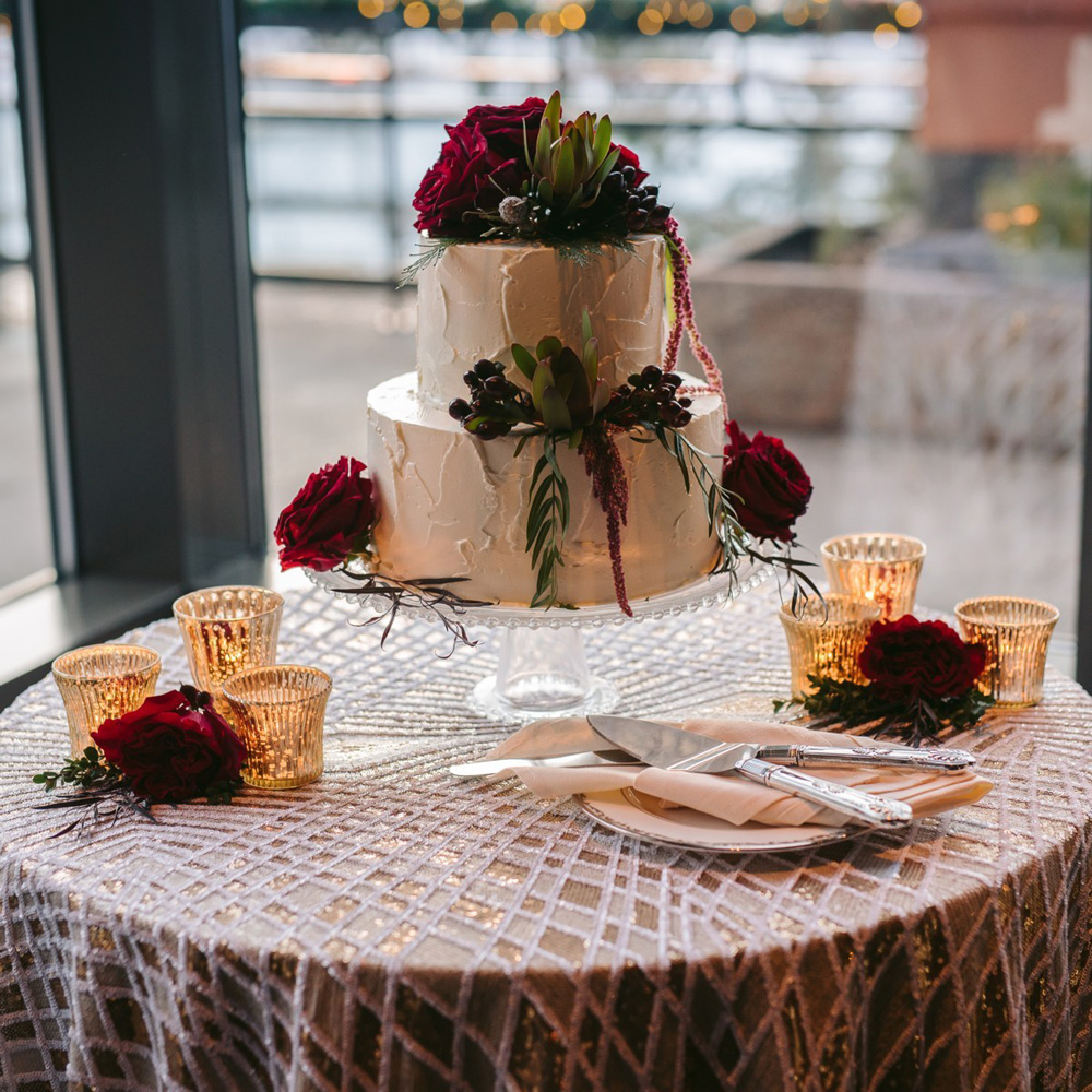 Cake - Winter Wedding Lake Tahoe
