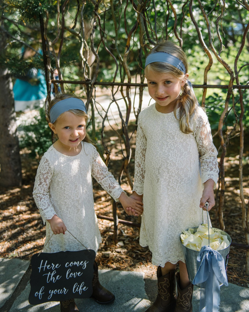 Squaw Valley wedding near Lake Tahoe - flower girls