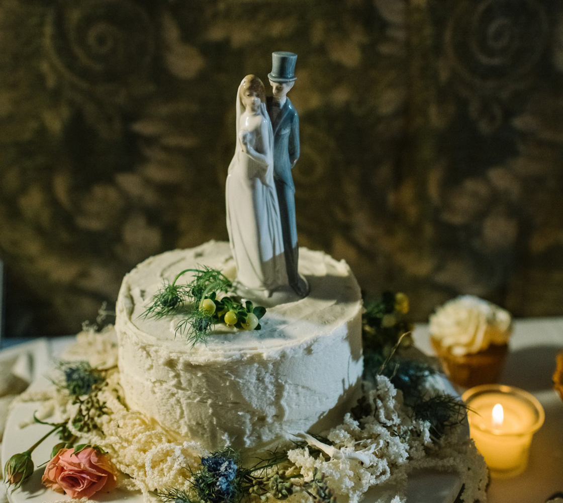 Squaw Valley wedding near Lake Tahoe - cake with topper