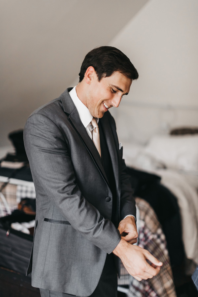 Wedding at The Hideout - VILD Photography - groom getting ready