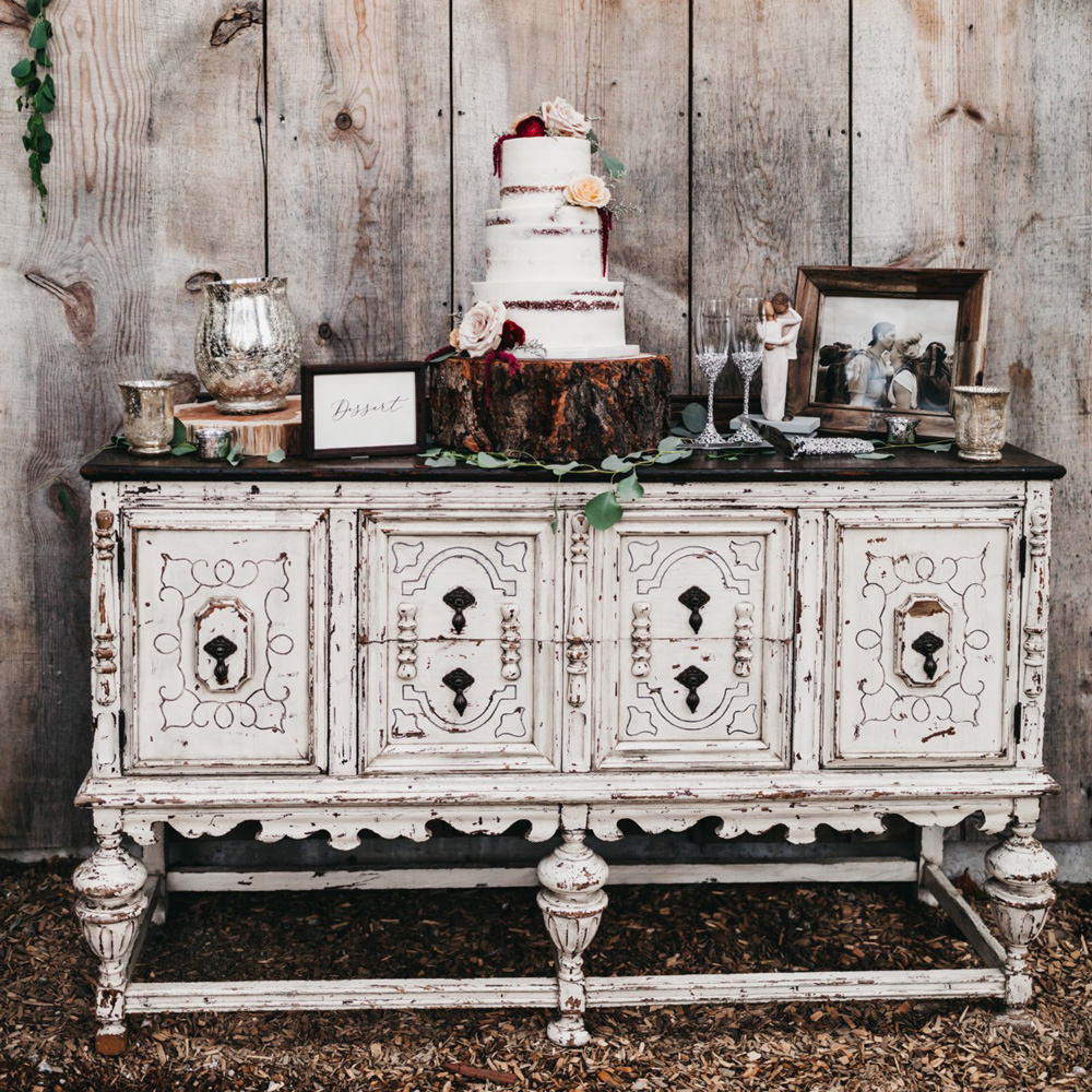 Wedding at The Hideout - VILD Photography - wedding cake rustic table