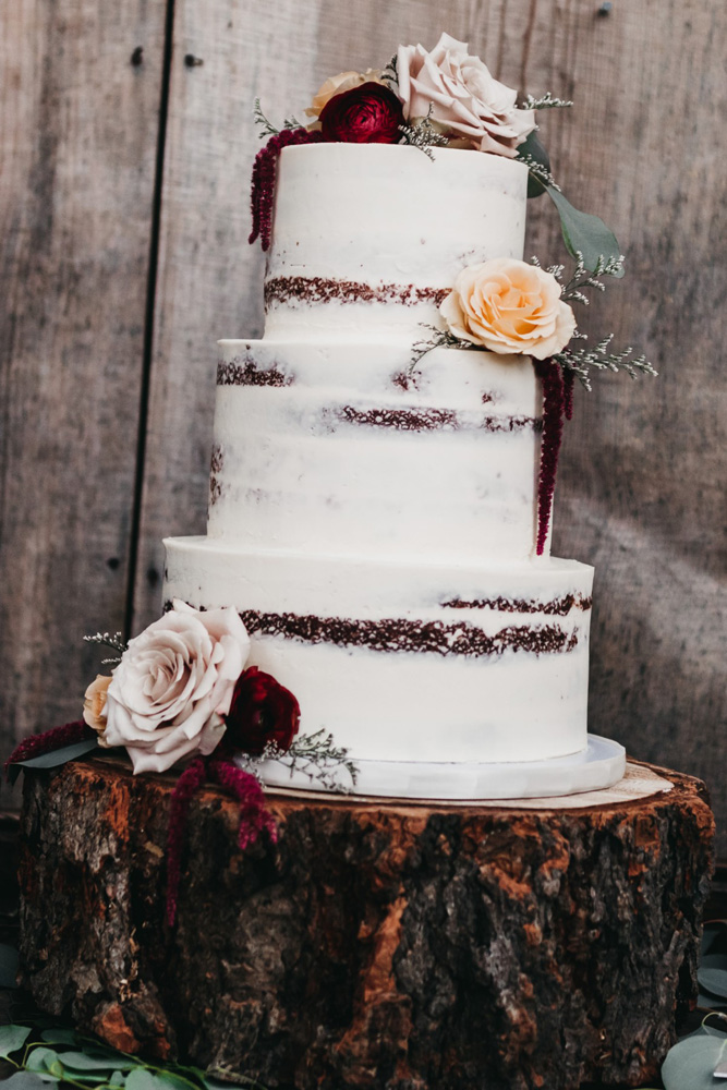 Wedding at The Hideout - VILD Photography - cake