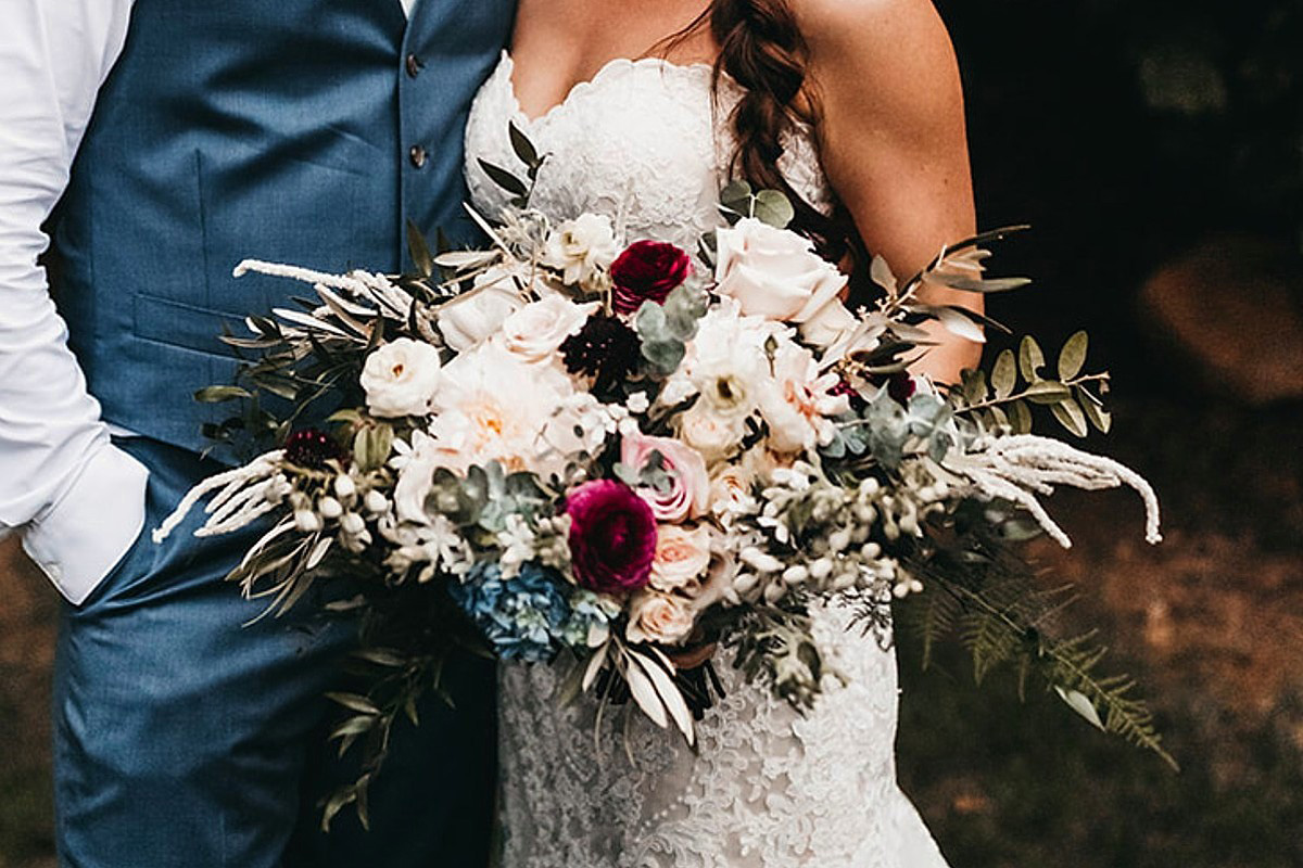 rustic relaxed wedding Lake Tahoe - bride's bouquet