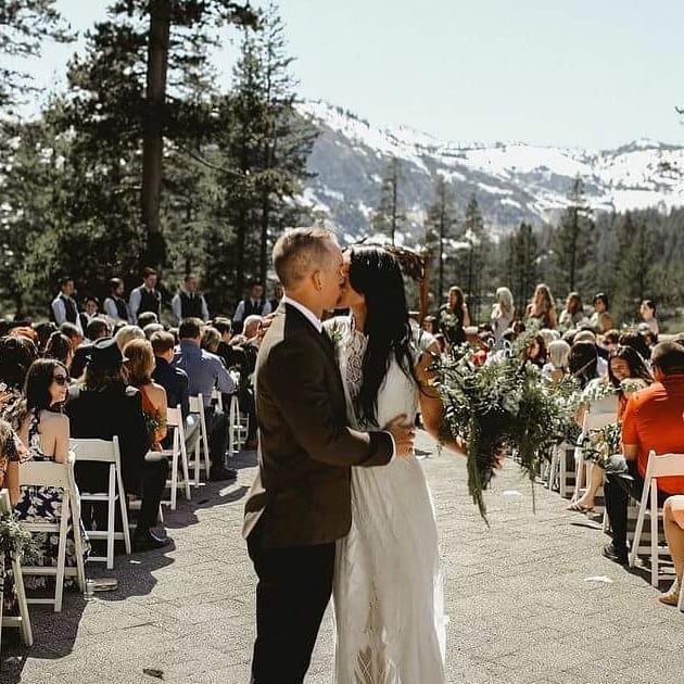 Couple Kissing - Jonathan James Photography - Stephanie Marie & Co. wedding planner Lake Tahoe