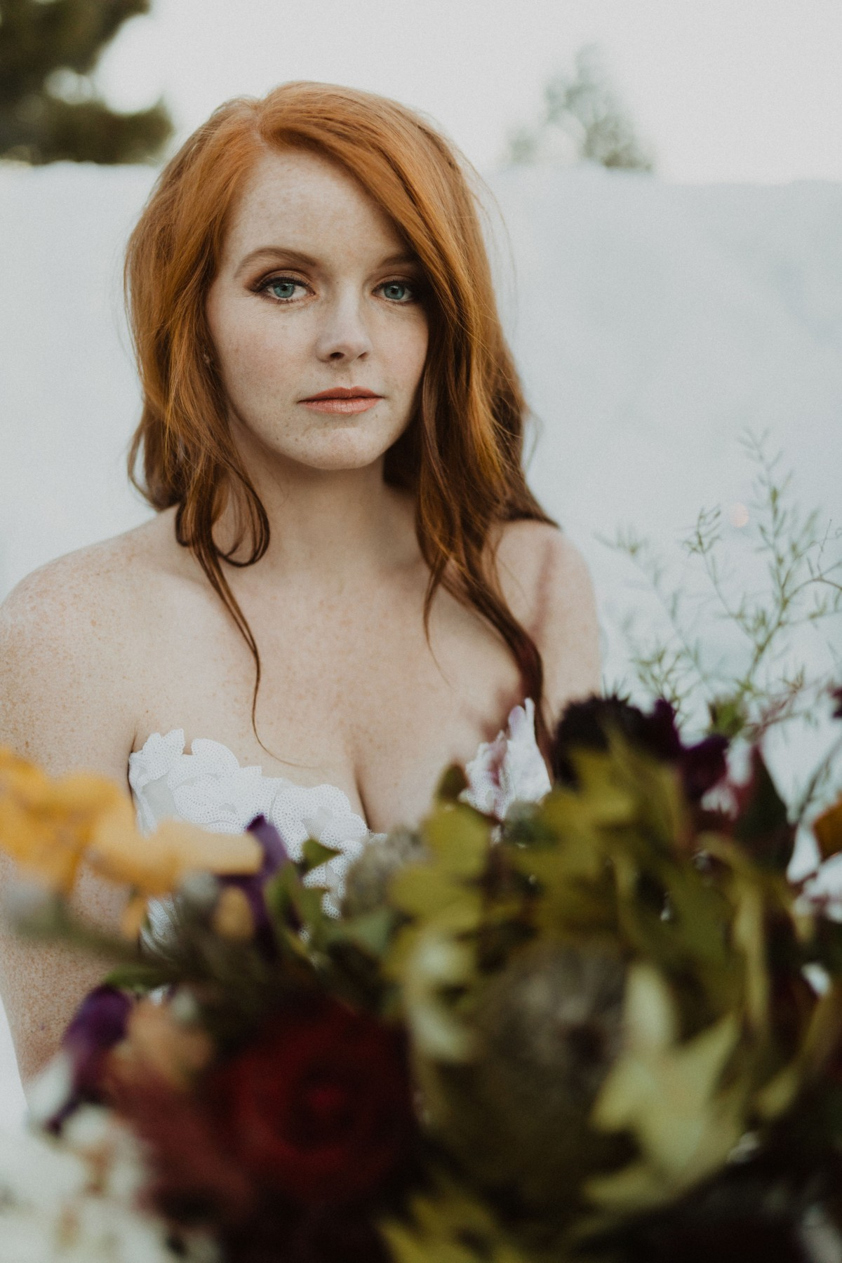 Tannenbaum by Roundabout Lake Tahoe wedding - bride with bouquet