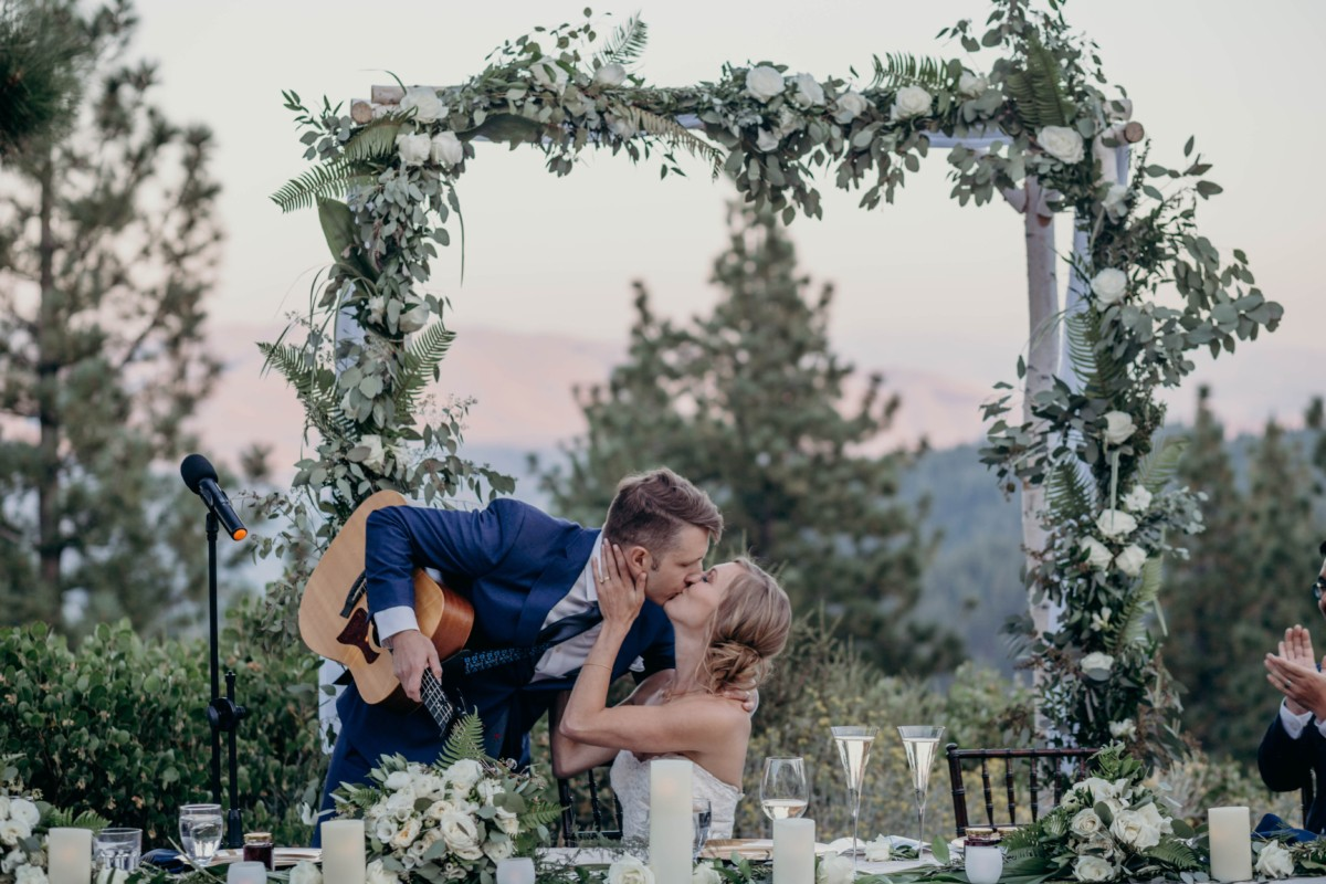 Tannenbaum by Roundabout Lake Tahoe wedding - couple kissing