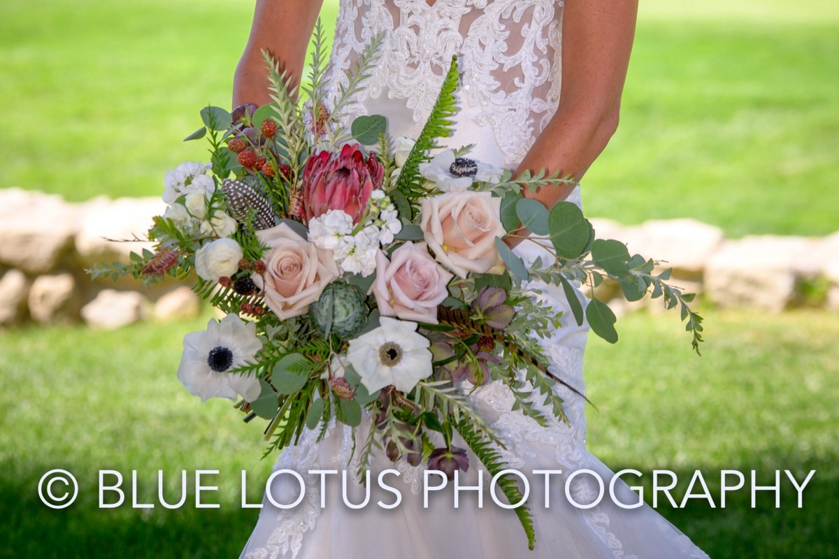 Lake Tahoe florist Create with T - bride with bouquet - Blue Lotus Photography
