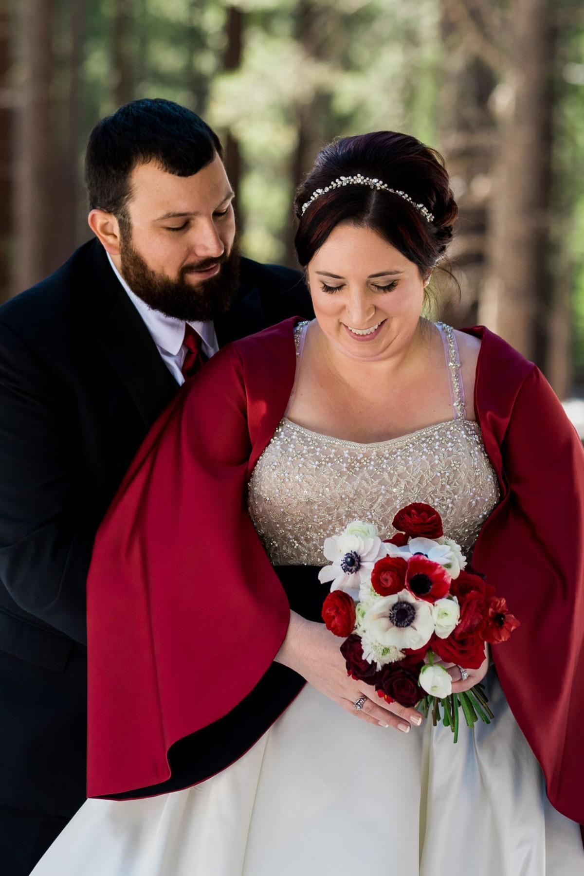 Lake Tahoe florist Create with T - winter wedding couple