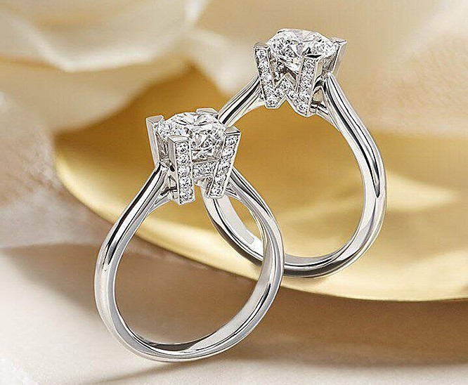 engagement rings made of white gold