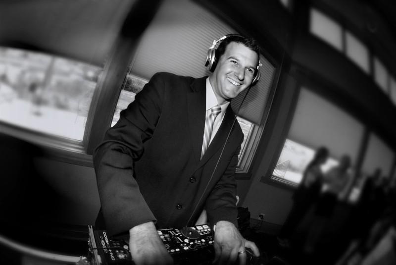 Sawyer Moonlight Mobile DJ