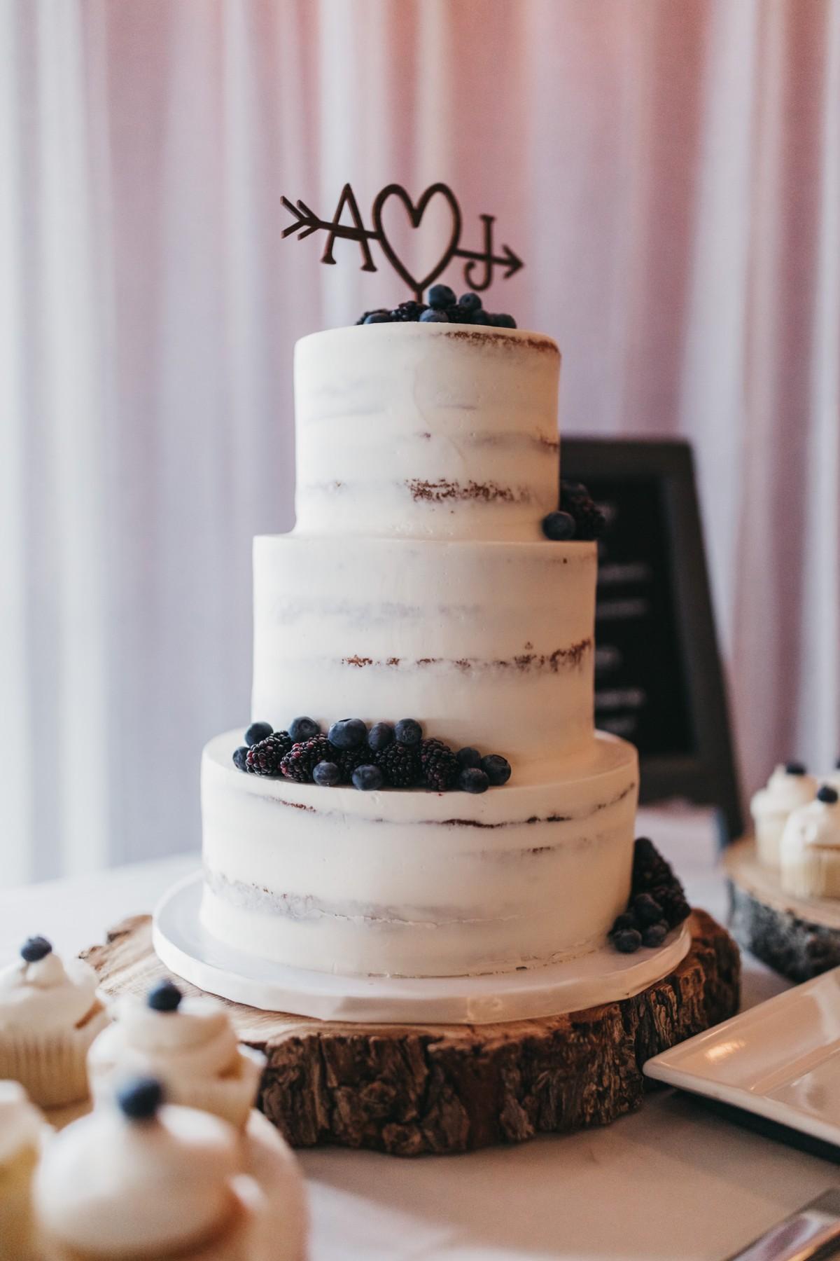 cake for wedding in Lake Tahoe