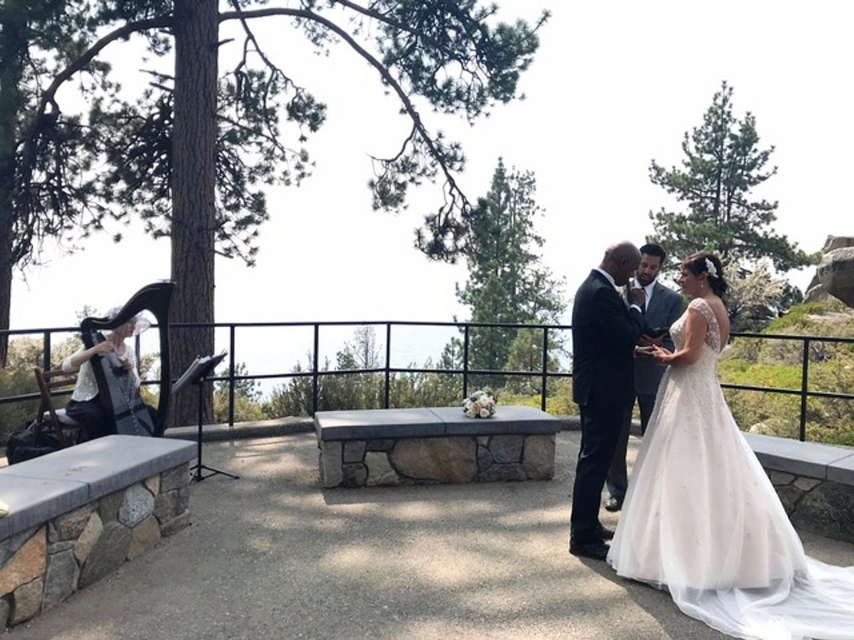 Anne Roos, Celtic Harp Music at small wedding ceremony Lake Tahoe