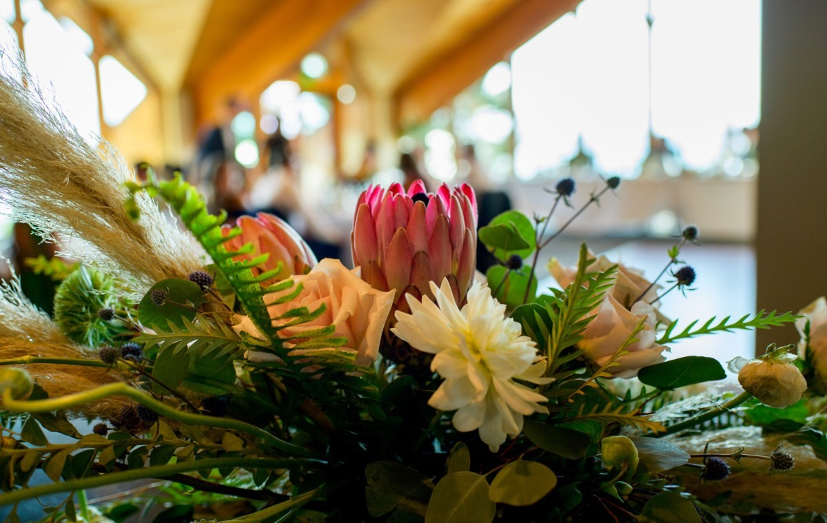 Edgewood Tahoe wedding - flowers by Create with T - Blue Lotus Photography